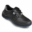 Safety shoes with steel midsole